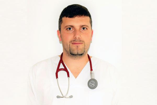Dr. Răzvan MACARIE